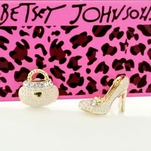 Betsey Johnson PURSE & HIGH EEL SHOE Ea…